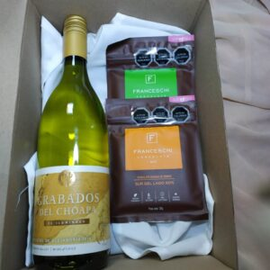 box regalo vino blanco y 2 chocolates franceschi