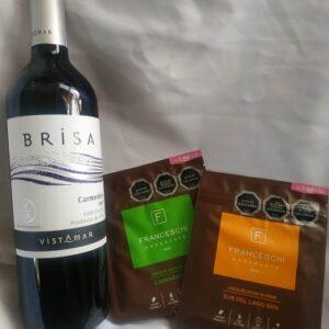 vino tinto y 2 chocolates franceschi